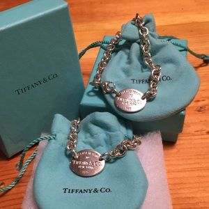 Return to Tiffany's necklace and bracelet
